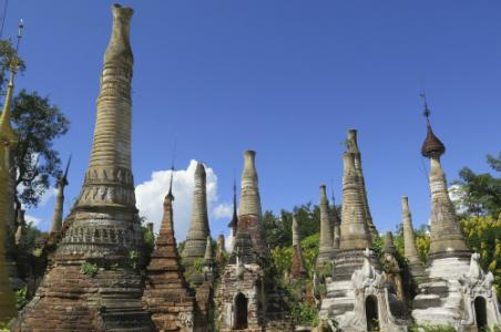 Inn Dein Pagoda Complex