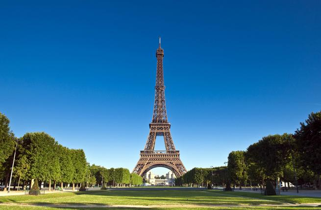 Paris To Build Walls Around The Eiffel Tower Fodors