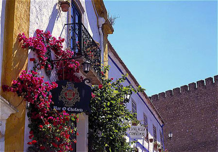 Obidos, colorful building