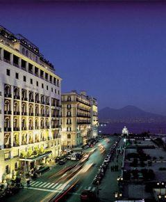 Grand Hotel Vesuvio, Naples