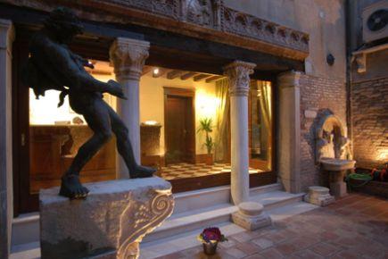 Hotel al Ponte Mocenigo, Santa Croce