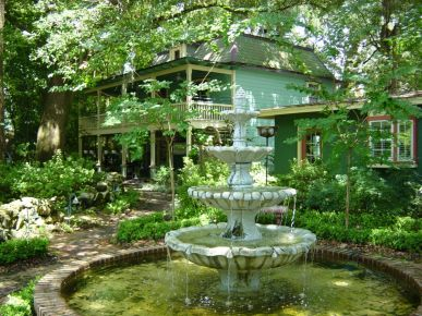 The Magnolia Plantation Bed and Breakfast Inn, Gainesville