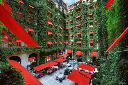 Hôtel Plaza Athénée, The Champs-Élysées