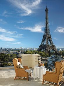 Shangri-La Paris, Around the Eiffel Tower
