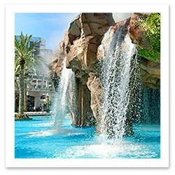 061115_Vegas_Pools_FlamingoF.jpg