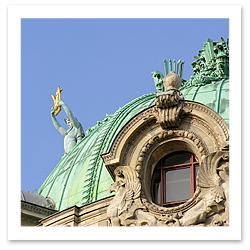 070110_Paris_Opera_STOCKF.jpg