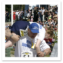 070627_wife_carrying_finland_sonkajarven_wacky_festival.jpg