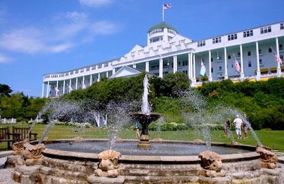 1-Grand-Hotel-ext.jpg