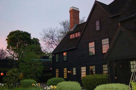 1-House-of-the-seven-gables-Salem.jpg