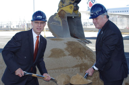 1-jetblue-ground-breaking.jpg