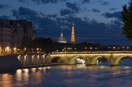 1.%20paris-honeymoon-night_resized.jpg