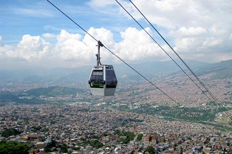2-Medellin-metrocable.jpg