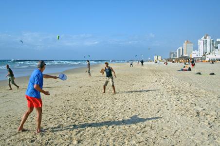 2-matcot-tel-aviv-beach.jpg