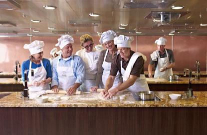 2_Oceania_Bon-Appetit-Culinary-Center-Class.jpg