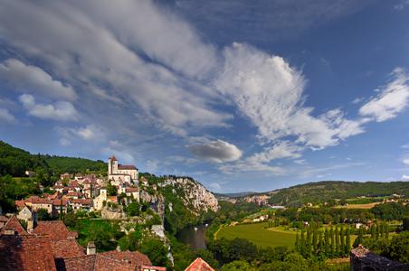 3-Saint-Cirq-Lapopie-Lot-River-Valley-France.jpg