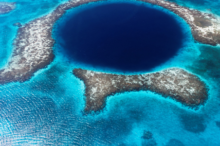 3-belize-diving-great-blue-hole.jpg