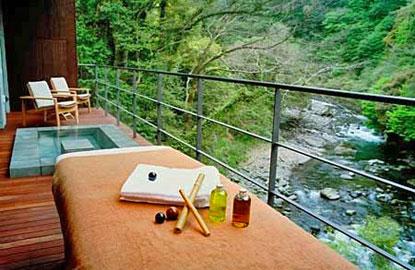 3-izu-hot-spring.jpg