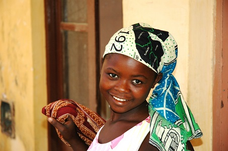 3-mozambique-maputo-market-girl.jpg