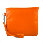 3.%20everpurse-leather-clutch-with-smartphone-charging-pocket.jpg