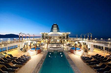 4.%20cruise-ship-deck-shutterstock.jpg