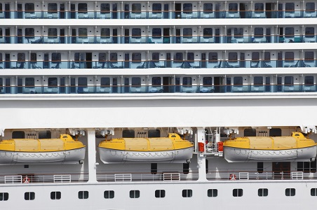 5.%20cruise-ship-cabins-c-dreamstime_resized.jpg