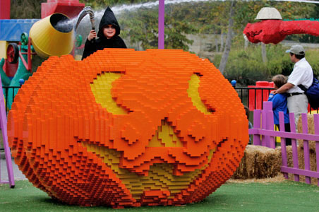 6-Brick-or-Treat-Legoland.jpg