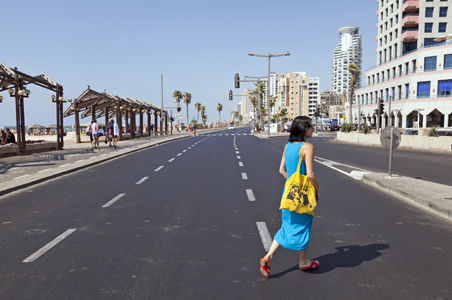 6-local-tel-aviv-beach.jpg
