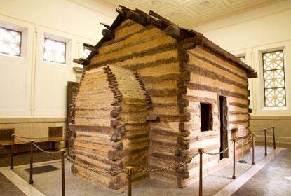 6-symbolic-lincoln-cabin.jpg