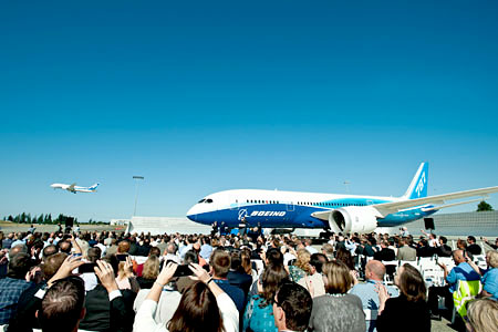 Turbulent Start for Boeing's 787 Dreamliner