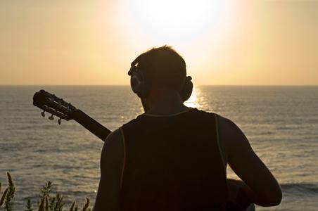 7-music-beach.jpg