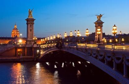 Academy-Awards-Paris-Seine.jpg