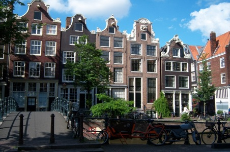 Amsterdam-Streetscapecopy.jpg