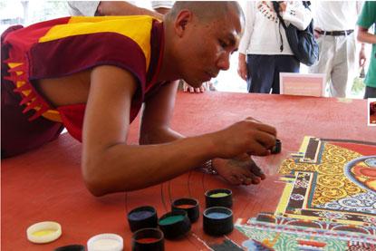 Bhutan-monk-sand-art.jpg