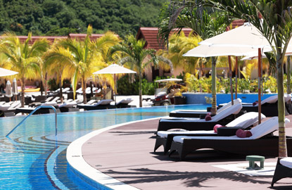 CURVE-OF-POOL-WITH-LOUNGERS.jpg