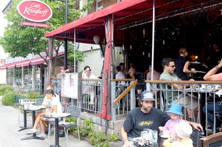 Cafe-Krieghoff-Quebec.jpg
