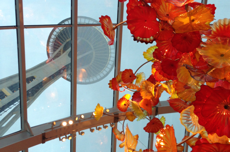 Chihuly-glass-flowers-Space%20Needle.jpg