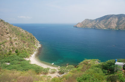 Colombia-Santa-Marta-mountains-meet-sea.jpg