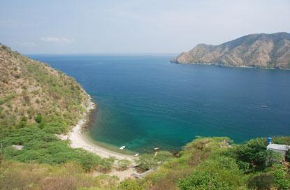 Colombia-Santa-Marta-mountains-meet-sea.jpg
