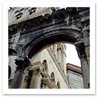Diocletian%27s%20palace-greenmelinda-flickrF.jpg