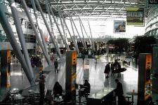 Dusseldorf-Airport-20-Mil-Traveler.jpg
