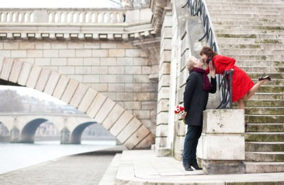 France-Paris-couple-in-love.jpg