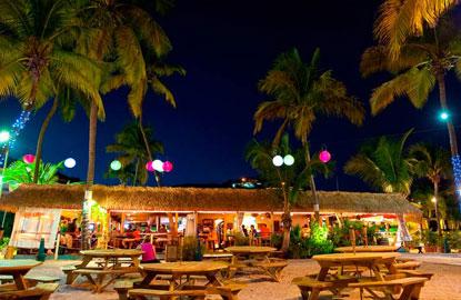 Iggies-Beach-Bar-at-Bolongo-Bay-Beach-Resort.jpg