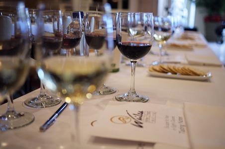 Italy-wine-tasting.jpg