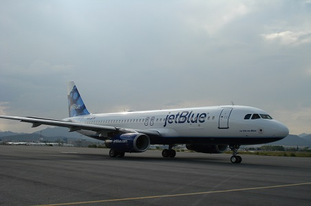 JetBlue-aircraft_resized.jpg