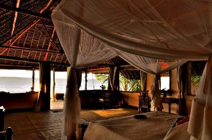 Kenya-Manda-Bay-Cottage.jpg