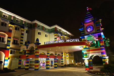 LegolandExteriorFrontNight.jpg