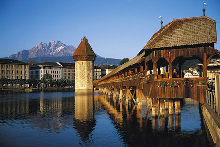 Luzern-Chapel-Bridge.jpg