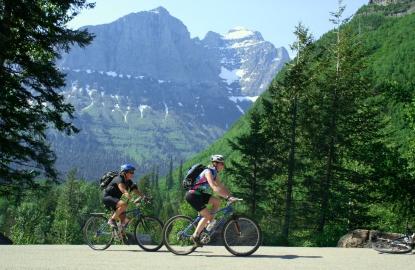 Montana-Glacier-Sun-Road-on-Bikes.jpg