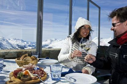 Muottas-Muragl-mountain-restaurant.jpg