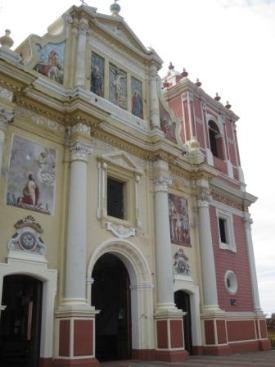 Nicaragua_Leon%20colonial%20church.jpg